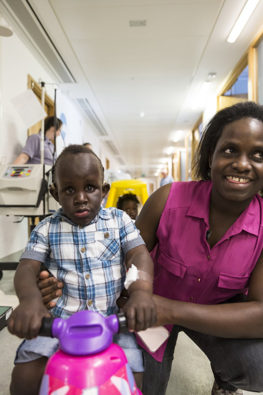 Taheem in Eagle ward with mum, Aida