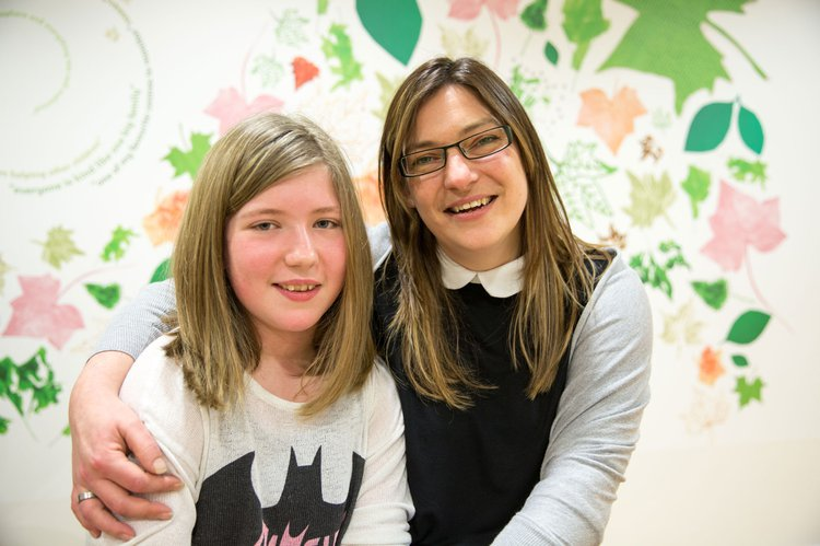 GOSH research patient and her mum in the Somers Clinical Research Facility (CRF)